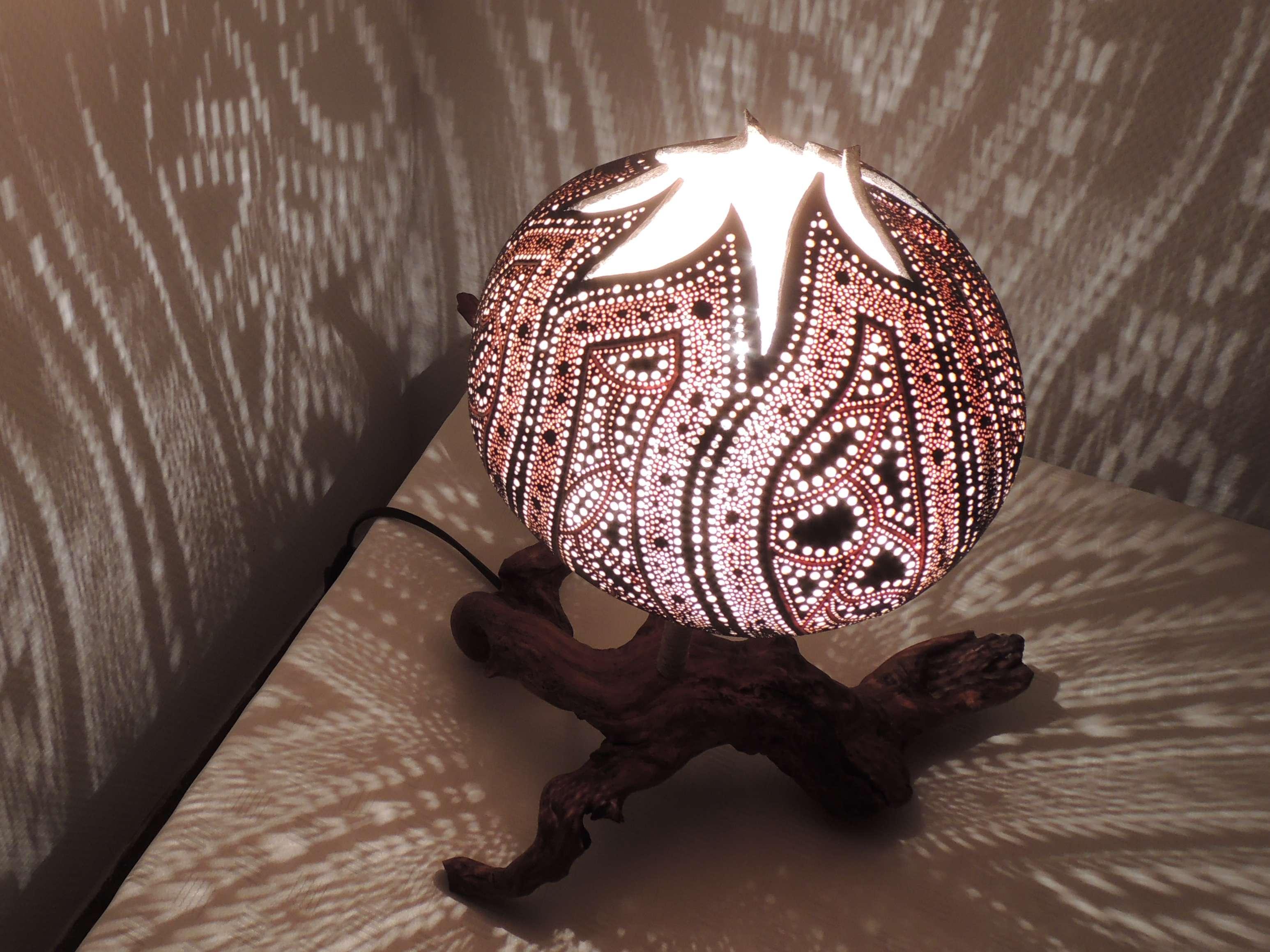 Reflet bois : Les lampes calebasse. Entre Zen et Déco